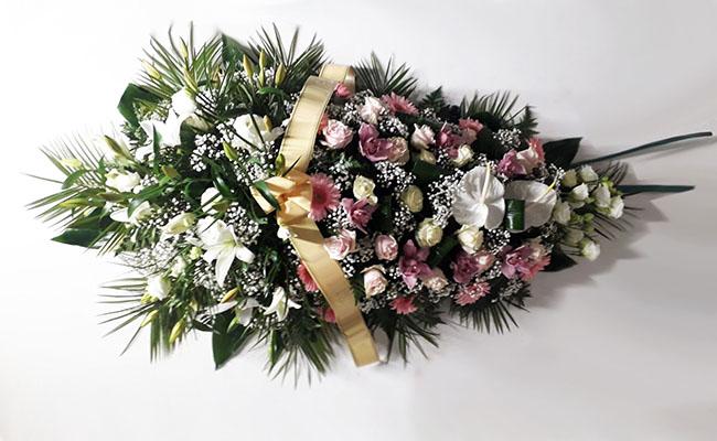 copribara-rose-rosa-antico-anturium-bianchi.jpg
