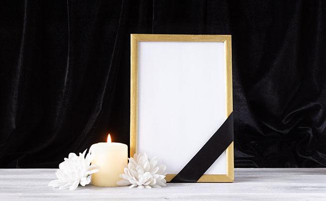 foto-ricordo-e-bigliettini-ringraziamento agenzia funebre madonna di monserrato